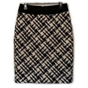 WHBM Cream / Black Plaid Pencil Skirt